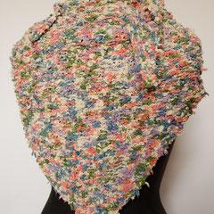 #445 Dreieckstuch naturweiss mit bunt. 139 cm breit, 52 cm hoch. 100% Baumwolle     120,-€