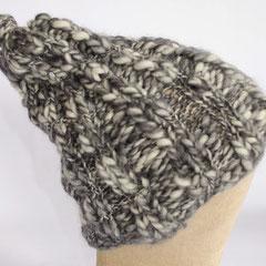 #175 Knoten-Zipfelmütze. Umfang ~ 54 cm. 100% Schurwolle     45,-€