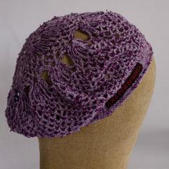 #330 Häkelmütze flieder mit lila. Umfang ~52. 100% Baumwolle     42,-€