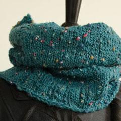 #4 Schlauchschal tannengrün Tweed. Umfang 56 cm, Höhe 30 cm. Schurwolle und Polyester     48,-€