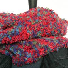 #393 Schlauchschal rot Bouclé. Umfang 60 cm, Höhe 30 cm. 40% Wolle, 20% Baumwolle, 20% Polyacryl, 20% Polyamid     75,-€
