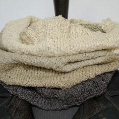 #267 4farb-Schlauchschal. Umfang 60 cm, Höhe 46 cm. 78% Baumwolle, 15% Leinen, 7% Polyacryl     72,-€