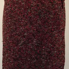 #506 Rock pinkschwarzweiss-Noppen. Umfang 92 cm, Länge 36,5 cm. 30% Baumwolle, 21% Viskose, 10% Leinen, 20% Polyacryl, 19% Polyamid     135,-€