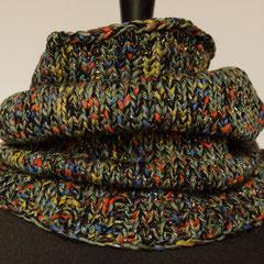 #471 Schlauchschal bunt-glitzer-schwarz. Umfang 54 cm, Höhe 39 cm. 55%Wolle, 40% Polyacryl, 5% Polyester     42,-€