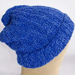 #171 Chenille-Mütze blau. Umfang ~ 55 cm. 70% Baumwolle, 30% Viskose     45,-€