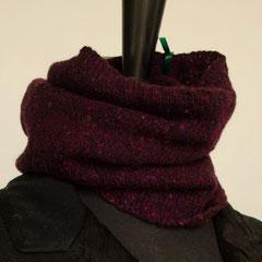 #103 Schlauchschal/Mütze violett Tweed. Umfang 42 cm, Höhe 26 cm. 100% Schurwolle     65,-€