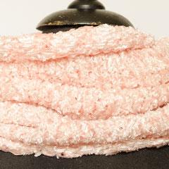 #462 Rosé-Glanz-Schlauchschal. Umfang 52 cm, Höhe 33 cm . 73% Rayon, 13% Polyacryl, 14% Polyester     48,-€