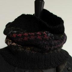#15 schwarz-bunter Hahnentritt-Schlauchschal. Umfang 60 cm, Höhe 36 cm. 100% Schurwolle     112,-€