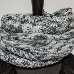 #263 grau-weiss-melierter Schlauchschal. Umfang 50 cm, Höhe 44 cm. 100% Baumwolle     58,-€