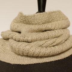 #454 Schlauchschal mit Patentstreifen beigegrau. Umfang 57 cm, Höhe 32 cm. Wolle mit Alpaka     65,-€