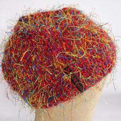 #153 Buntfusselige Mütze. Umfang ~ 54 cm. Polyester und Wolle     35,-€