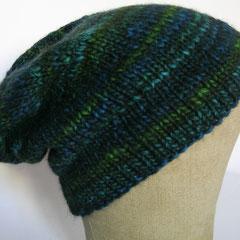 #375 Mütze blau-grün-türkis. Umfang ~ 56 cm. 65% Schurwolle, 35% Polyacryl     42,-€