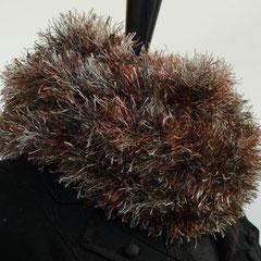 #62 Fussel-Wickelschal oliv-kupfer. Umfang 106 cm, Höhe 13 cm. 100% Polyester     65,-€