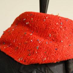 #5 Wickelschal rot Tweed. Umfang 126 cm, Höhe 25 cm. Wolle und Polyacryl     75,-€