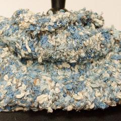 #461 Fussel-Schlauchschal Blautöne+Weiss. Umfang 70 cm, Höhe 27 cm.      58,-€
