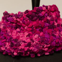 #449 Noppen-Schlauchschal pink-lila-rosa. Umfang 60 cm, Höhe 29 cm. 100% Polyamid     48,-€