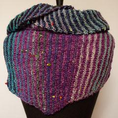 #459 Dreieckstuch schmal lila, blau und bunt. 200 cm breit, 40 cm hoch. Seide, Wolle, KidMohair, Baumwolle, Rayon... 195,-€