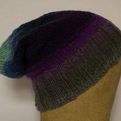 #519 aus handgesponnener Wolle. Umfang ~ 55 cm. 100% Schurwolle     85,-€