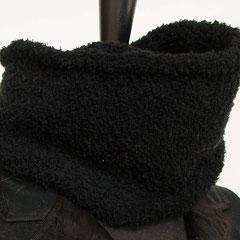 #77 Kuschel-Wickelschal schwarz. Umfang 110 cm, Höhe 16 cm. 65,-€