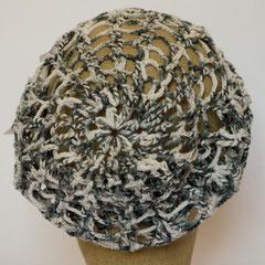 #313 grau-weiss-melierte Häkelmütze mit Strick-Bündchen. Umfang ~54 cm. 100% Baumwolle     38,-€