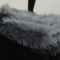 #65 Kuschel-Wickelschal hell-mittel-dunkelgrau. Umfang 130 cm, Höhe 19 cm. 100% Polyester     65,-€