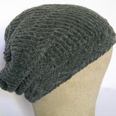 #368 Mütze mit Zopf-Bündchen, dunkelgraues Chenille. Umfang ~ 54 cm. 100% Polyacryl     38,-€