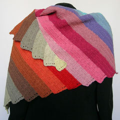 #421 Zickzackstreifen-Dreieckstuch asymmetrisch. 179 cm breit, 77 cm hoch. 100% Baumwolle     188,-€