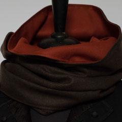 #343 Wende-Wickelschal genäht, dunkelbraun-rost. Umfang 149 cm, Höhe 30 cm. Wolle und Baumwolle     35,-€
