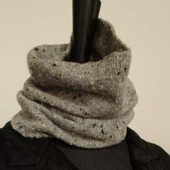 #99 Schlauchschal/Mütze mittelgrau Tweed. Umfang 40 cm, Höhe 27 cm. 100% Schurwolle     65,-€