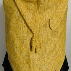 """#114 Dreieckstuch mit Kapuze und """"Locken"""", gelb. 176 cm breit, 70 cm hoch (+Kapuze). 50% Leinen, 50% Polyacryl     265,-€"""