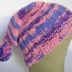 #374 Bommelmütze rosa-lila-flieder. Umfang ~ 55 cm. 51% Schurwolle, 49% Polyacryl     45,-€