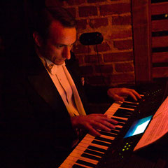 Heyen am E-Piano - Foto: Lex Sironi