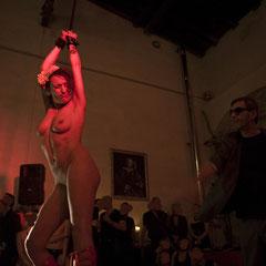 Performance: Fräulein Wild - Foto Lex Sironi