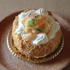 レニエの季節のケーキ「桃」