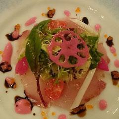 鮮魚の薄切りサラダ仕立て 梅風味のドレッシング