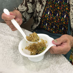Eating utensils for elderly