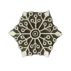 Indische Holzstempel Mandala Stern Motif für Textildruck werden in der Schweiz entworfen und in Indien fair produziert