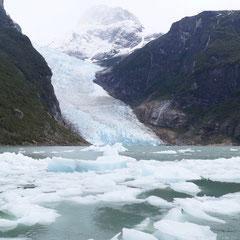 Der Gletschersee am Serrano-Gletscher