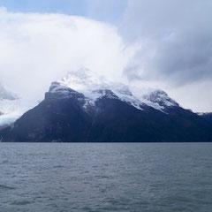 Der Balmaceda-Gletscher in der Ferne
