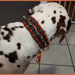 """Ivette durfte das Modell """"Bakira"""" Testtragen. Die Farben sind Neon Orange, Leopard, Teal, Crimson und Tan 380"""