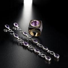 9/12 Ginevra,orecchini con ametista montati in oro,catena argento brunito.Anche con clip/Ginevra long amethyst earrings set in gold,chain in burnished silver.