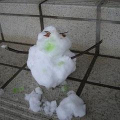 ①「やんちゃな雪だるま」 ②探検クラブ