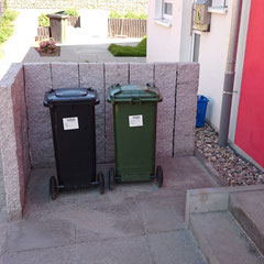 Mülltonnenabgrenzung mit Naturstein