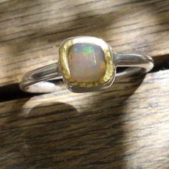Opal handgeschliffen in Feingold, Silber