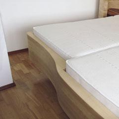 Bett-Fußteil rechts, lange Seite