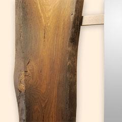 Detail Befestigung des Spiegels an der Mooreichenplatte