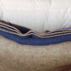 Kissen, und Wohndecken aus Schafwolle
