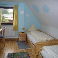 Bauernhof-Boie Ein Schlafzimmer mit 2 Einzelbetten( 0,90 m x 2,00 m)
