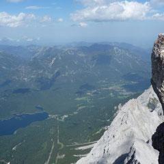 Wir sind wahrlich keine Bergsteiger und Kletterer, aber hier oben zu stehen hat was.