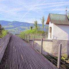 Rapperswil-Jona Holzsteg mit Heilig Hüsli